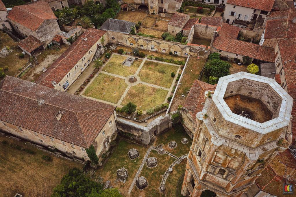 Prestation drone - Vue aérienne - Abbaye de Charroux